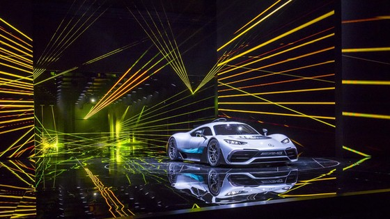 Vẻ đẹp xuất sắc của xe đua Công thức 1 đường phố Mercedes-AMG Project One ngoài đời thực - Ảnh 11.