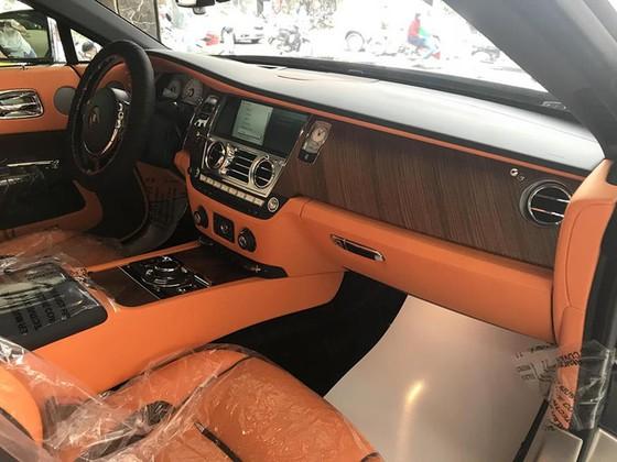 Rolls-Royce Dawn 25 tỷ Đồng bất ngờ xuất hiện tại Sài thành - Ảnh 9.