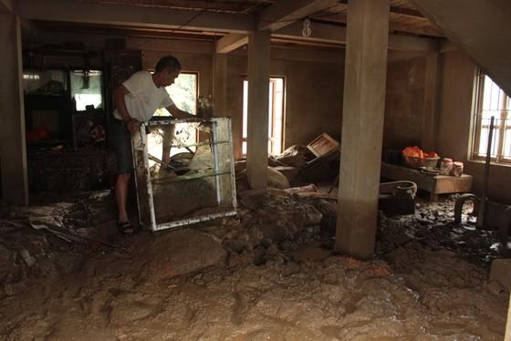 46 người chết, 33 người mất tích do mưa lũ - Ảnh 1.