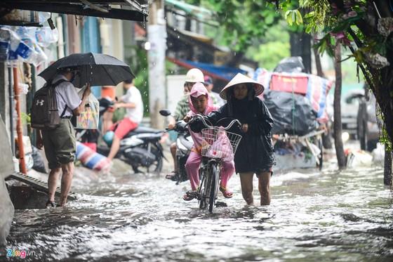 Sieu may bom 'te liet', duong Nguyen Huu Canh ngap hinh anh 4