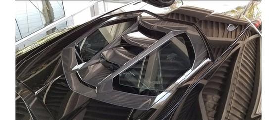 Đây là chiếc Lamborghini Centenario đầu tiên trên thế giới được rao bán - Ảnh 12.