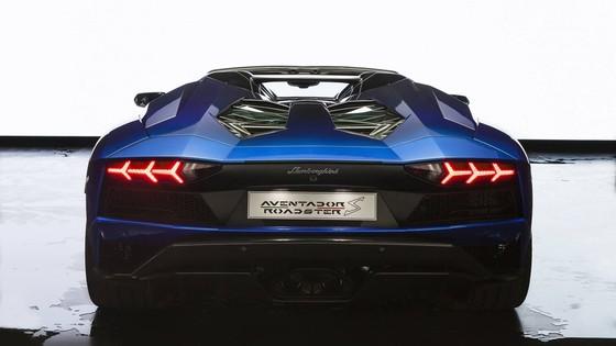 Lamborghini Aventador S Roadster danh rieng cho Nhat Ban hinh anh 7