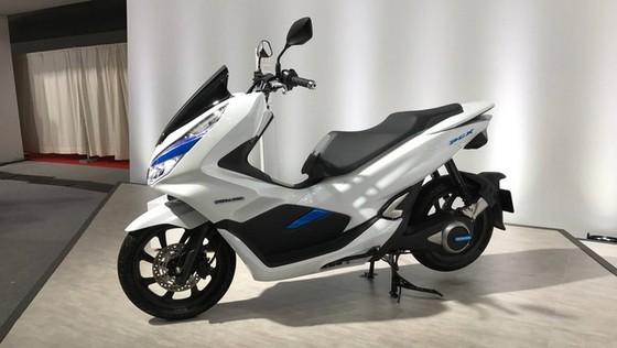 Bộ đôi Honda PCX Hybrid và PCX Electric được vén màn, sẽ bán vào năm sau - Ảnh 9.