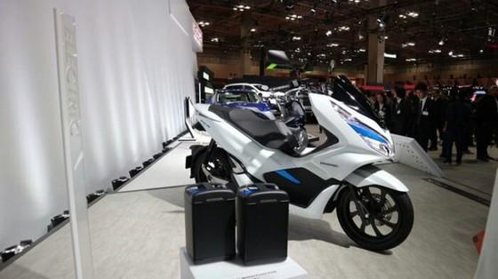 Bộ đôi Honda PCX Hybrid và PCX Electric được vén màn, sẽ bán vào năm sau - Ảnh 2.