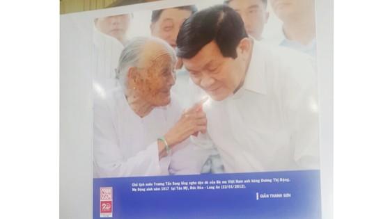 """Triểm lãm ảnh và giới thiệu sách ảnh """"Vị thế Việt Nam"""" tại Long An ảnh 1"""