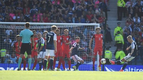 Harry Kane giúp Anh thoát hiểm trước Scotland ảnh 2