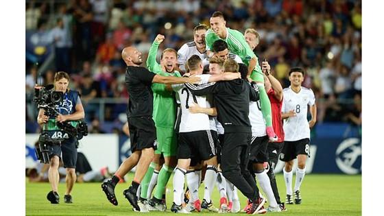 Đánh bại Tây Ban Nha, Đức lên ngôi vô địch U21 châu Âu ảnh 2