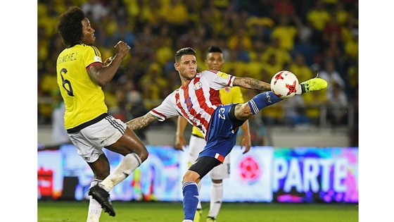 Argentina bị Peru chia điểm, Colombia thua Paraguay ảnh 1