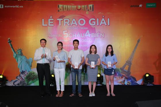 Khách hàng Sun World bất ngờ trúng thưởng tour du lịch quốc tế tới Pháp, Úc ảnh 2