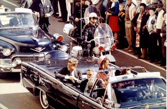Tổng thống Mỹ chấp thuận công bố hết hồ sơ vụ ám sát J.F.Kennedy  ảnh 1