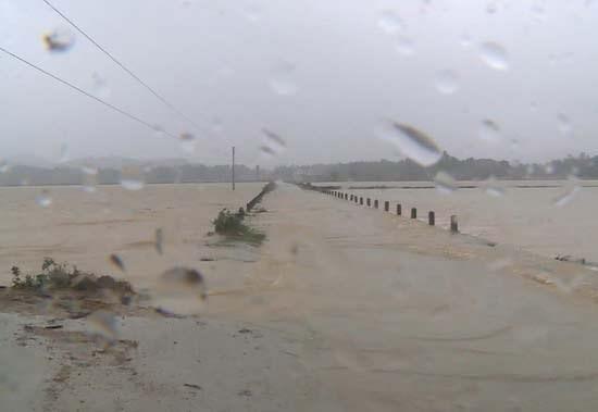 Xuất hiện vùng áp thấp mới, Trung Bộ tiếp tục có mưa to diện rộng  ảnh 1
