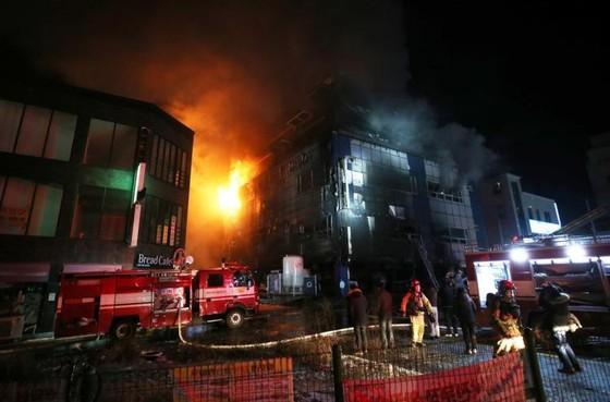 Số người chết trong vụ hỏa hoạn ở Hàn Quốc tăng lên 29 người ảnh 2