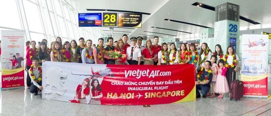 Flashmob Vietjet khuấy động sân bay Changi ảnh 3