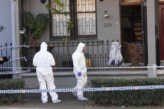 Australia bắt nhóm chế bom tấn công khủng bố máy bay ảnh 3
