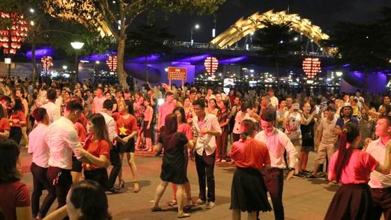 Văn hóa lễ hội hòa cùng nhịp sống đô thị ảnh 4