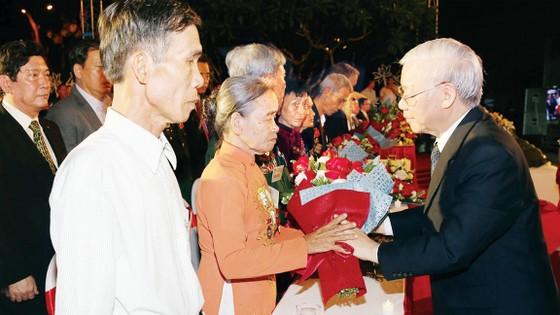Mãi tự hào Dáng đứng Việt Nam ảnh 1