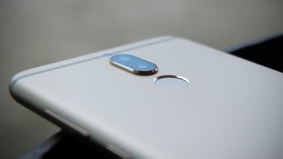 """999 """"bông hồng vàng"""" Huawei nova 2i """"chớp nhoáng"""" tìm được chủ nhân ảnh 3"""