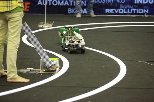 Học viện Quân sự đoạt giải đua xe công nghệ lần đầu tiên ảnh 3