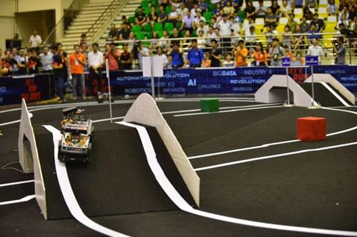 Học viện Quân sự đoạt giải đua xe công nghệ lần đầu tiên ảnh 8