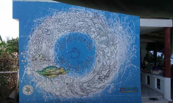 Gửi thông điệp bảo vệ rùa biển qua làng bích họa đảo Lý Sơn ảnh 2