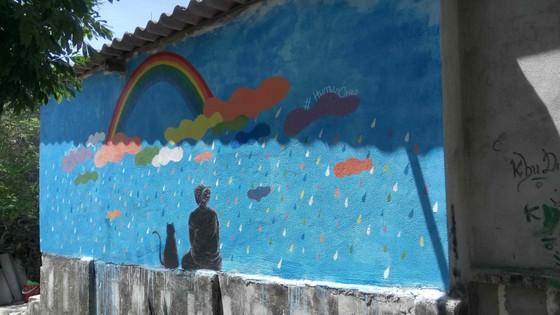 Gửi thông điệp bảo vệ rùa biển qua làng bích họa đảo Lý Sơn ảnh 1