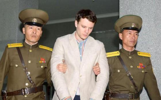 Sinh viên Mỹ được Triều Tiên thả sau khi hôn mê đã chết ảnh 1