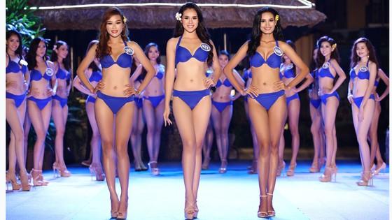 Thí sinh Hoa hậu Đại Dương Việt Nam 2017 quyến rũ trong phần thi trang phục bikini ảnh 1