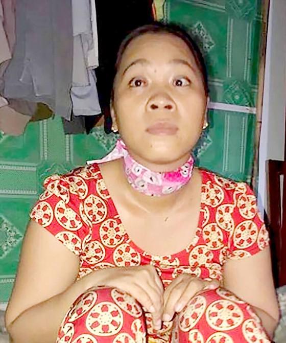 Người phụ nữ nghèo bị u não, mất thị lực ảnh 1