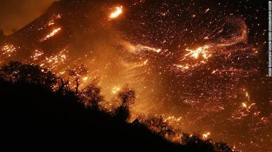 Mỹ: Cháy rừng tại Nam California tiếp tục diễn biễn phức tạp  ảnh 10