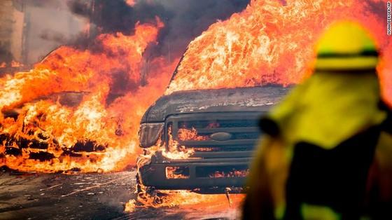 Mỹ: Cháy rừng tại Nam California tiếp tục diễn biễn phức tạp  ảnh 1