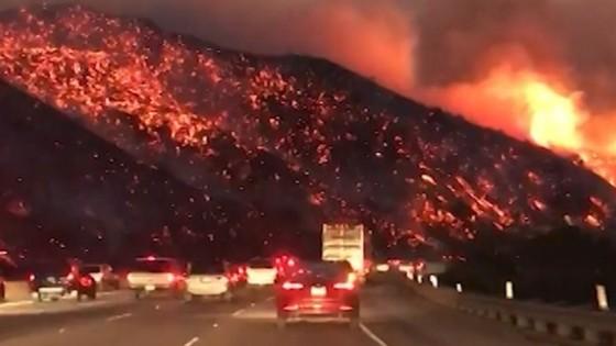 Mỹ: Cháy rừng tại Nam California tiếp tục diễn biễn phức tạp  ảnh 18