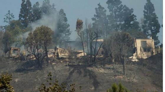 Mỹ: Cháy rừng tại Nam California tiếp tục diễn biễn phức tạp  ảnh 19