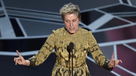 """""""The Shape of Water"""" thắng giải Oscar Phim hay nhất ảnh 16"""