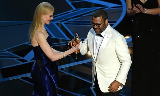 """""""The Shape of Water"""" thắng giải Oscar Phim hay nhất ảnh 12"""