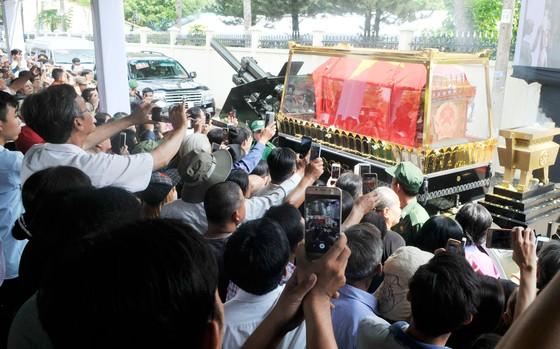 Lễ an táng nguyên Thủ tướng Phan Văn Khải ảnh 13