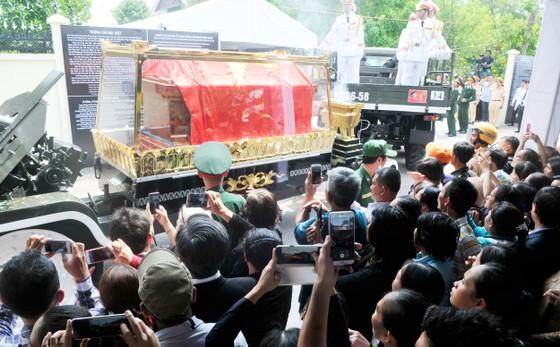Lễ an táng nguyên Thủ tướng Phan Văn Khải ảnh 14