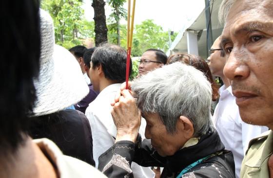 Lễ an táng nguyên Thủ tướng Phan Văn Khải ảnh 19