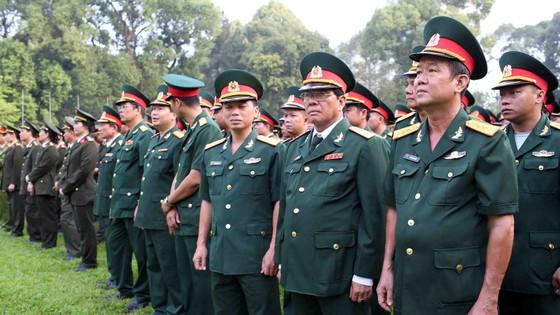 Đông đảo các tầng lớp nhân dân đưa tiễn nguyên Thủ tướng Phan Văn Khải ảnh 14