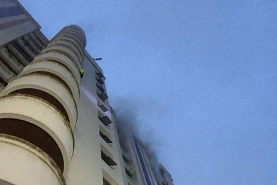 Cháy chung cư ở Bangkok: 3 người thiệt mạng, nhiều người Việt Nam bị thương ảnh 1