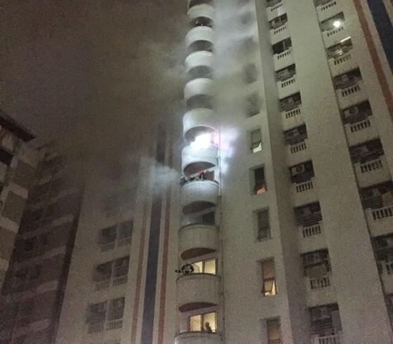 Cháy chung cư ở Bangkok: 3 người thiệt mạng, nhiều người Việt Nam bị thương ảnh 9