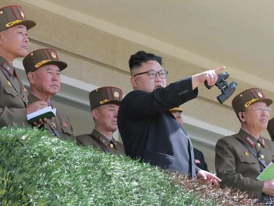 Nhà lãnh đạo Triều Tiên Kim Jong-un được cho là không hài lòng với vụ phóng tên lửa thất bại mới nhất. Ảnh: AP