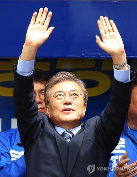 Công dân Hàn Quốc bắt đầu bỏ phiếu bầu Tổng thống ảnh 6