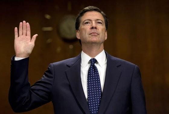 Trump bất ngờ sa thải giám đốc FBI - ảnh 1
