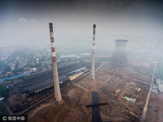 Trung Quốc phá dỡ nhà máy nhiệt điện ảnh 2