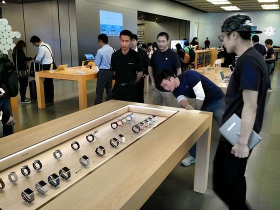 Sự trỗi dậy của Apple Watch sẽ ảnh hưởng tiêu cực tới Thụy Sĩ theo 2 cách, trực tiếp và gián tiếp.