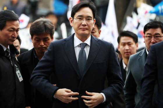 Lee Jae Yong (hay được phương Tây biết đến dưới cái tên Jay Y. Lee) Thái tử của tập đoàn Samsung