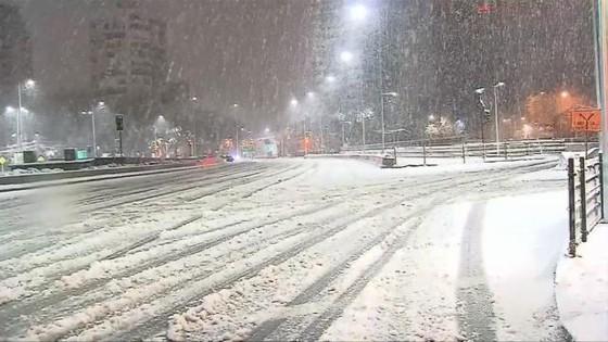 智利罕有大雪 28 萬人斷電 ảnh 1