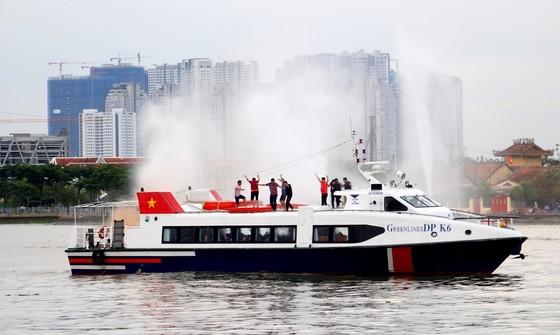 Tàu khách đâm tàu du lịch chìm trên sông Sài Gòn, cứu sống 118 người  ảnh 1