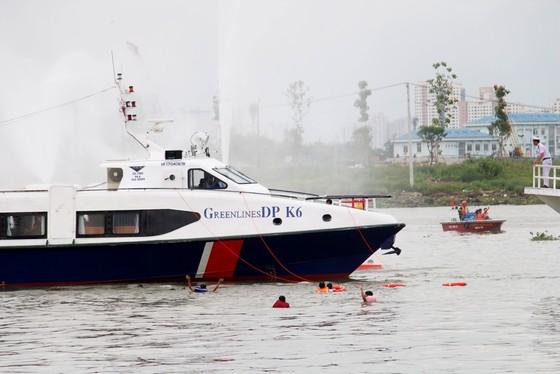 Tàu khách đâm tàu du lịch chìm trên sông Sài Gòn, cứu sống 118 người  ảnh 3