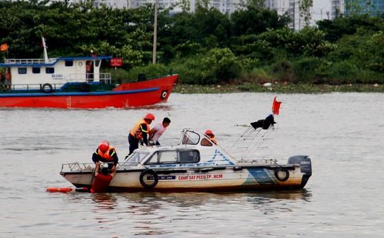 Tàu khách đâm tàu du lịch chìm trên sông Sài Gòn, cứu sống 118 người  ảnh 5